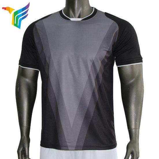 China Latest Sublimation Sport Football Soccer Apparel Uniforms Kit