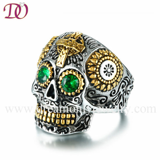 IP Gold Plated Skull Ring High Polish Ring with Green Rhinstones pictures & photos