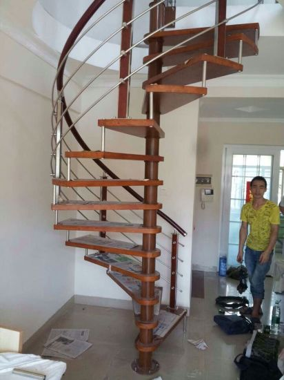 China Supplier Custom Design Wall Mounted Spiral Stainless Steel Pipe Stair  Handrail