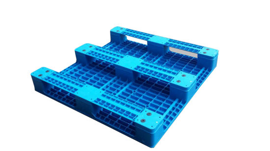 3 Skids Plain Plastic Pallet pictures & photos