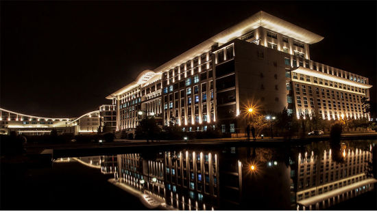 Outdoor LED Wall Wahsering Facade Lighting with RGB/Wwcw LED Wall Washer for Projects