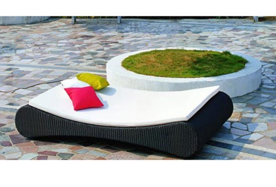 Cheap Small Outdoor Rattan Wicker Daybed with Ottaman