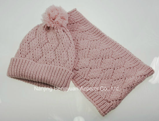 Promotional Fashion Knitted Warm Kits Gloves Scarf Hats pictures & photos