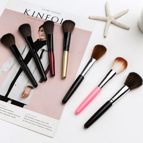 Powder Blush Foundation Cosmetic Tools Fashion Makeup Brushes pictures & photos
