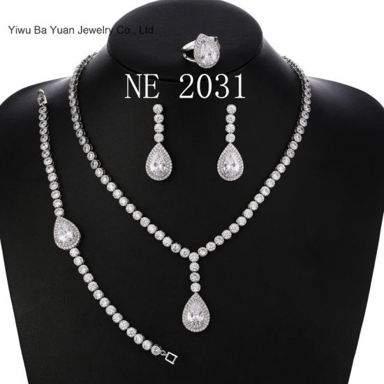 Teardrop Pear Shape CZ Necklace Pierced Earrings Bracelet Women Wedding Jewelry Sets pictures & photos