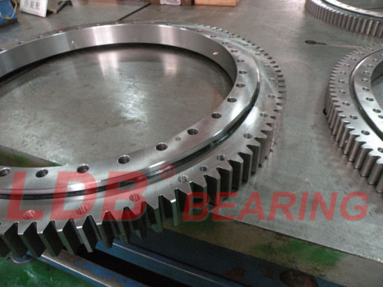 Single-Row Four Point Angular Contact Slewing Ball Bearing External Gear 9e-1b40-0876-1105 pictures & photos