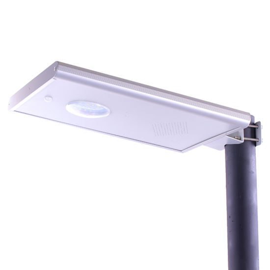 High Performance MPPT Aluminum Street Light Poles pictures & photos