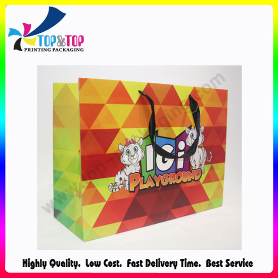 Recyclable Feature and Offset Printing Surface Handling Paper Gift Bag pictures & photos