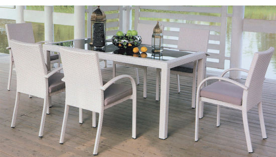 Factory Wholesale Price to Rattan Outside Furniture Table and Chairs