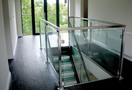 Modern Design Patio Structural Glass Railing/Glass Balustrade Systems for Outdoor pictures & photos