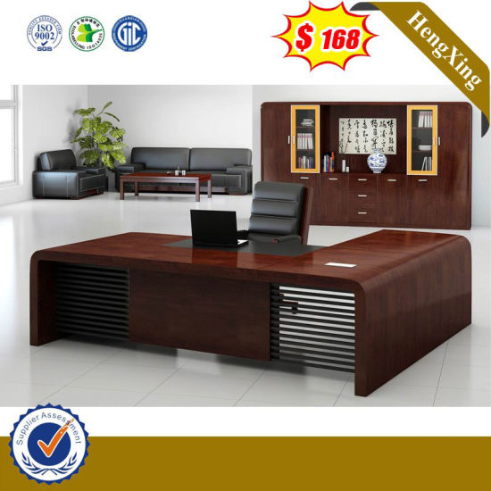 Traditional Big Size Wooden Office Furniture Executive Table pictures & photos