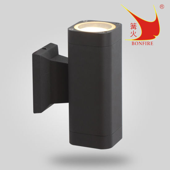Outdoor up and Down Wall Light with Ce, RoHS, SAA