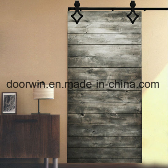 China Double Soundproof Interior Sliding Doors With Plank Panels