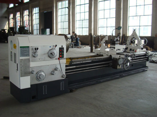 Swing Over Bed 800mm, Bed Width 550mm Engine Lathe pictures & photos