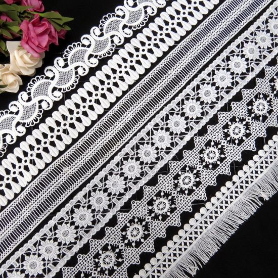 Polyester Embroidery Floral Border White and Black Water Soluble Lace Trim for Dress