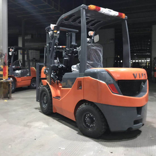 China New 3ton Diesel Hydraulic Forklift With Japanese Engine