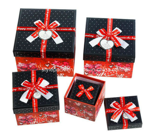Gift Paper Box / Gift Packaging Box / Gift Cardboard Box pictures & photos