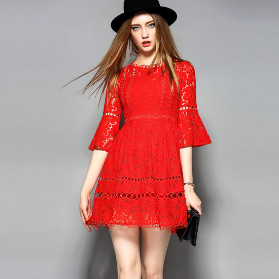 Fashion Hollow Floral Puff Sleeve Lace Women Party Dress pictures & photos