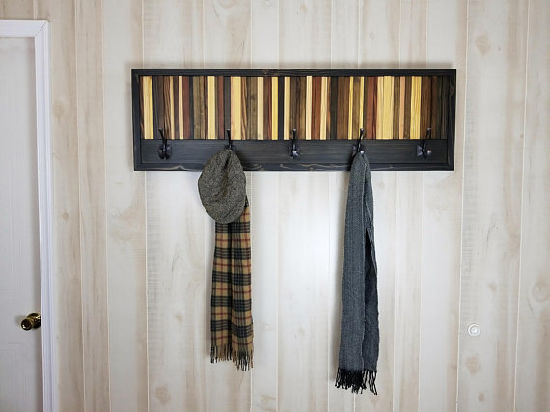 China Rustic Wooden Wall Mounted Coat