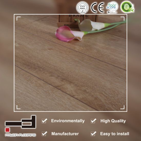 12mm Oak Ashy V-Bevelled European Style Water Proof Use German Technology with Uniclic and CE AC3 HDF Living Room Best Price Laminate Flooring pictures & photos