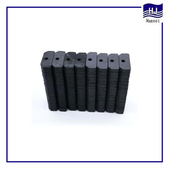 Strong Permanent Special Border Sintered Hole Ferrite Magnet