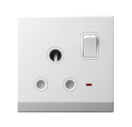 15A Switched Socket Outlet with Neon (S86K1Z3YD)