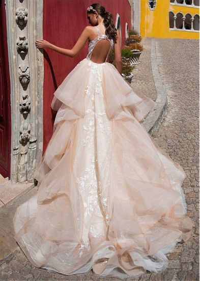 Sheer Lace Ball Gowns V-Neck Champagne Wedding Dresses Z8029 pictures & photos