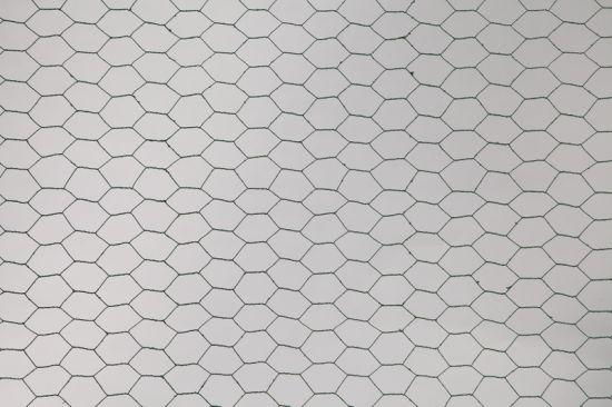 Hexagonal Galvanized Chicken / Rabbit Wire Mesh Netting