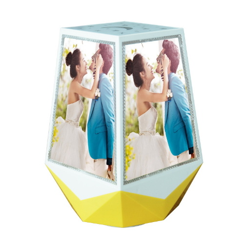 China Magic Magnetic Floating Rotating Picture Frame Wedding Favors