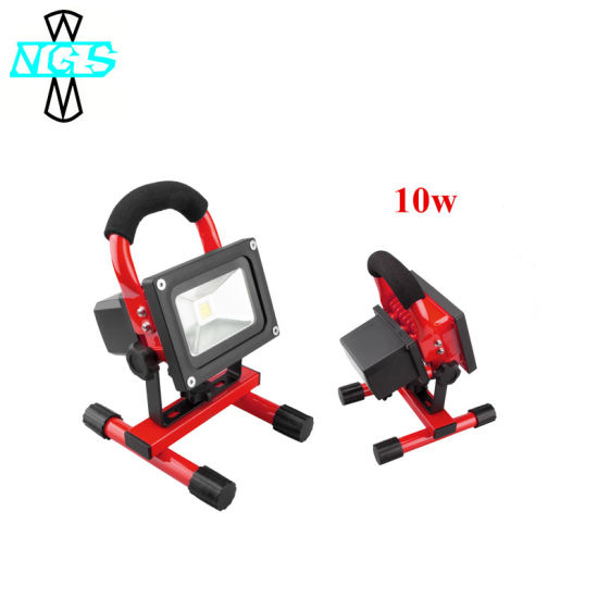 10W-200W Outdoor Portable Rechargeable LED Flood Light for Emergency pictures & photos