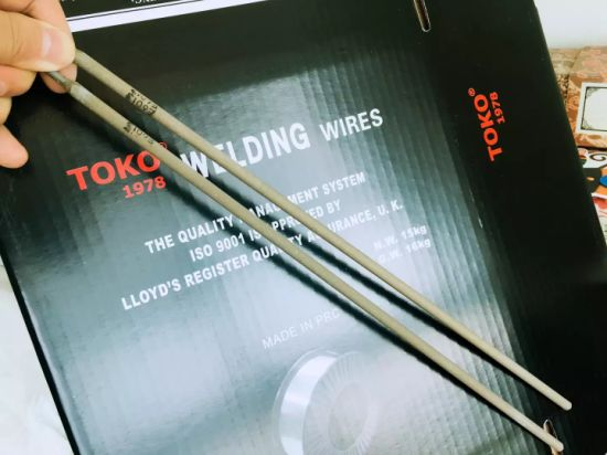 Non-Smoke Welding Rods Aws A5.1 E7018 2.5 X 350mm pictures & photos