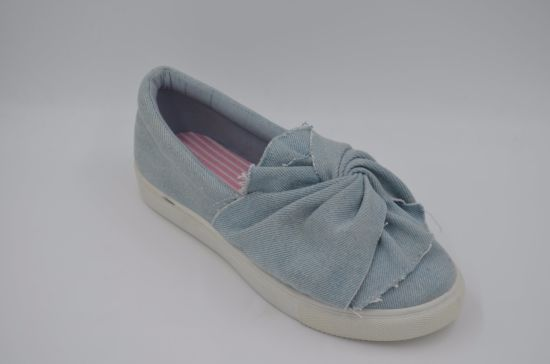 Lady Casual Shoes with Blue Upper pictures & photos