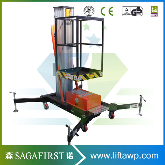 Ce Approved Selfpropelled Aluminum Working Platform Forklift pictures & photos
