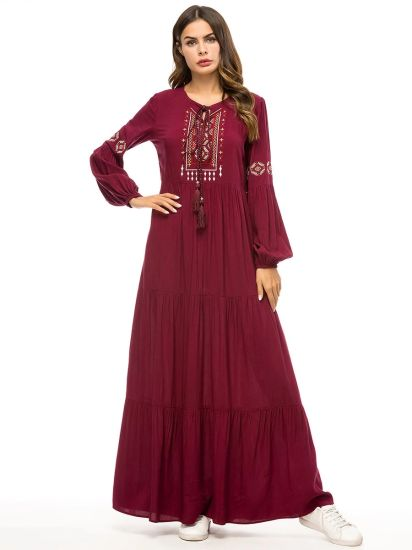 Customize Fashion Dress Women Embroidery Long Sleeve Dress pictures & photos