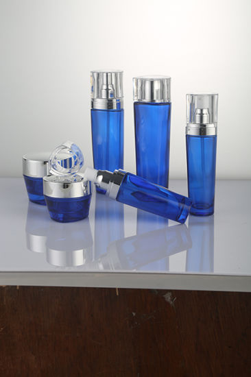 Fashion New Design Cosmetic Glass Bottle Qf-A3969