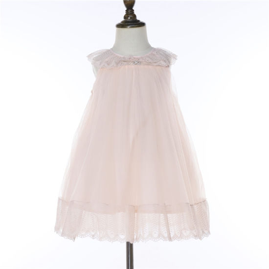 Hot Sale Sleeveless Tulle Girl Dress Girl Clothing Lace Neck Design with Butterfly Pendants
