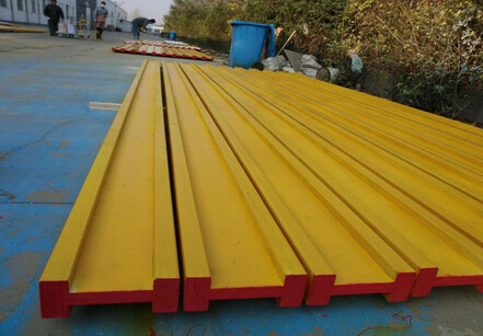 Building Material Plywood Beam&Pine Formwork Beam H20 for Construction pictures & photos