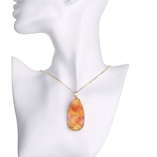 Fashion Jewelry Natural Orange Crystal Stone Drop Shape Pendant Gold Plated Necklace pictures & photos