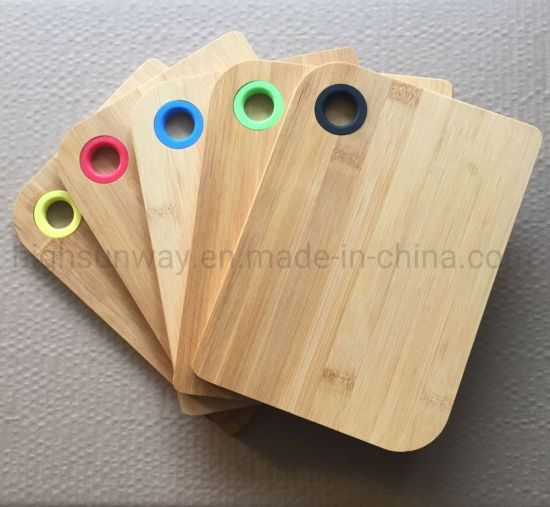 Natural Durable Kitchen Tools Bamboo Cutting Board with Silicone Hanger Hole