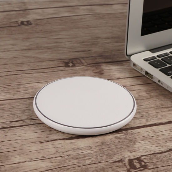 35f43ee9e59 China Qi Hot Selling Ultra Thin Magnetic Wireless Charger for Mobile ...