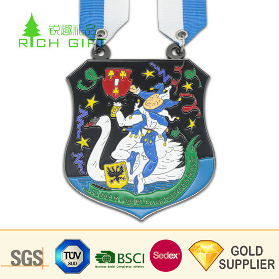 Golden Supplier China Custom Metal Irregularly Soft Enamel Cartoon Prize Medal with Plastic Box for Kids pictures & photos