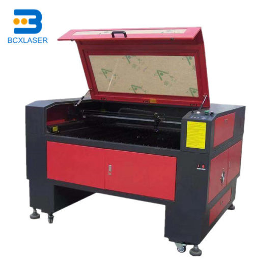 CO2 Laser Engraving and Cutting Machine Enquipped with Cw5000 Water Chiller pictures & photos