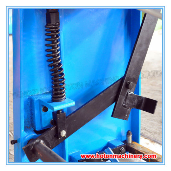 Foot Power Shearing Machine (Q01-1.5X1320 ) pictures & photos