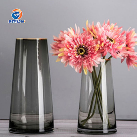 Wholesale Glass Cone Vase Decoration Fashion Transparent Vase for Home Decoration pictures & photos