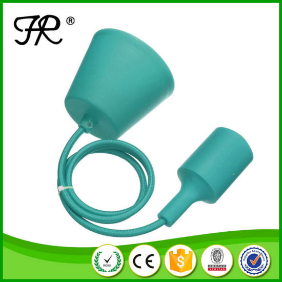 E27 Screw Style and Ce Approved Silicone Lamp Holder pictures & photos