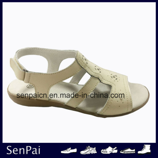 High Quality Lady′s Sandals Fashion Flat Heel Shoes pictures & photos