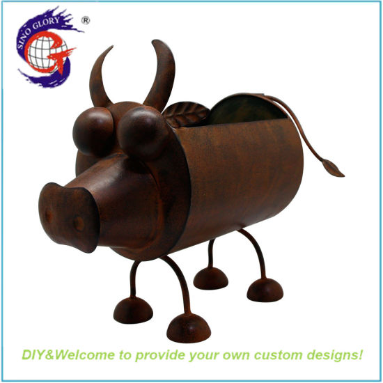 Rusty Cow Flower Pot for Garden Decorating