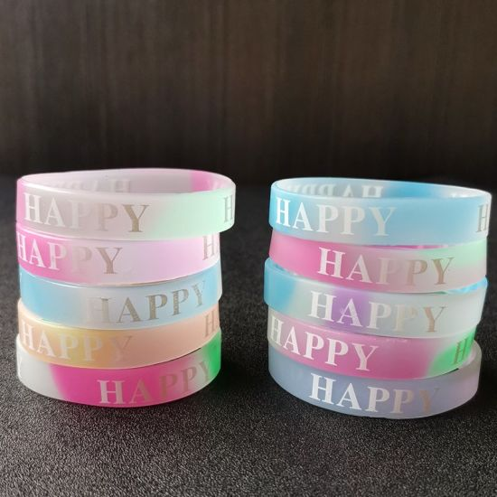 Promotional Wholesale White/Pink/Green/Red Logo Debossed/Embosssed Silicone Rubber Bracelet