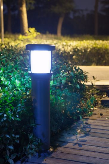 1.8W Intelligent LED Solar Lawn Light with Lithium Battery