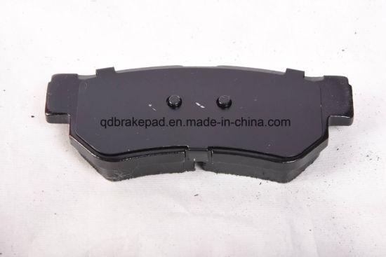 Auto Spare Part Ceramic Low-Metal Semi-Metal Brake Lining for Toyota; D817